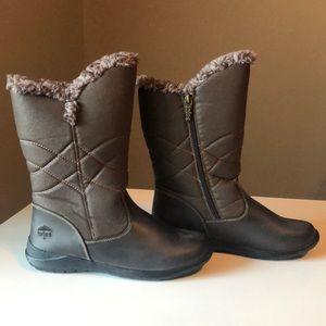 Cute Waterproof Totes Winter Boot in Brown. Size 8